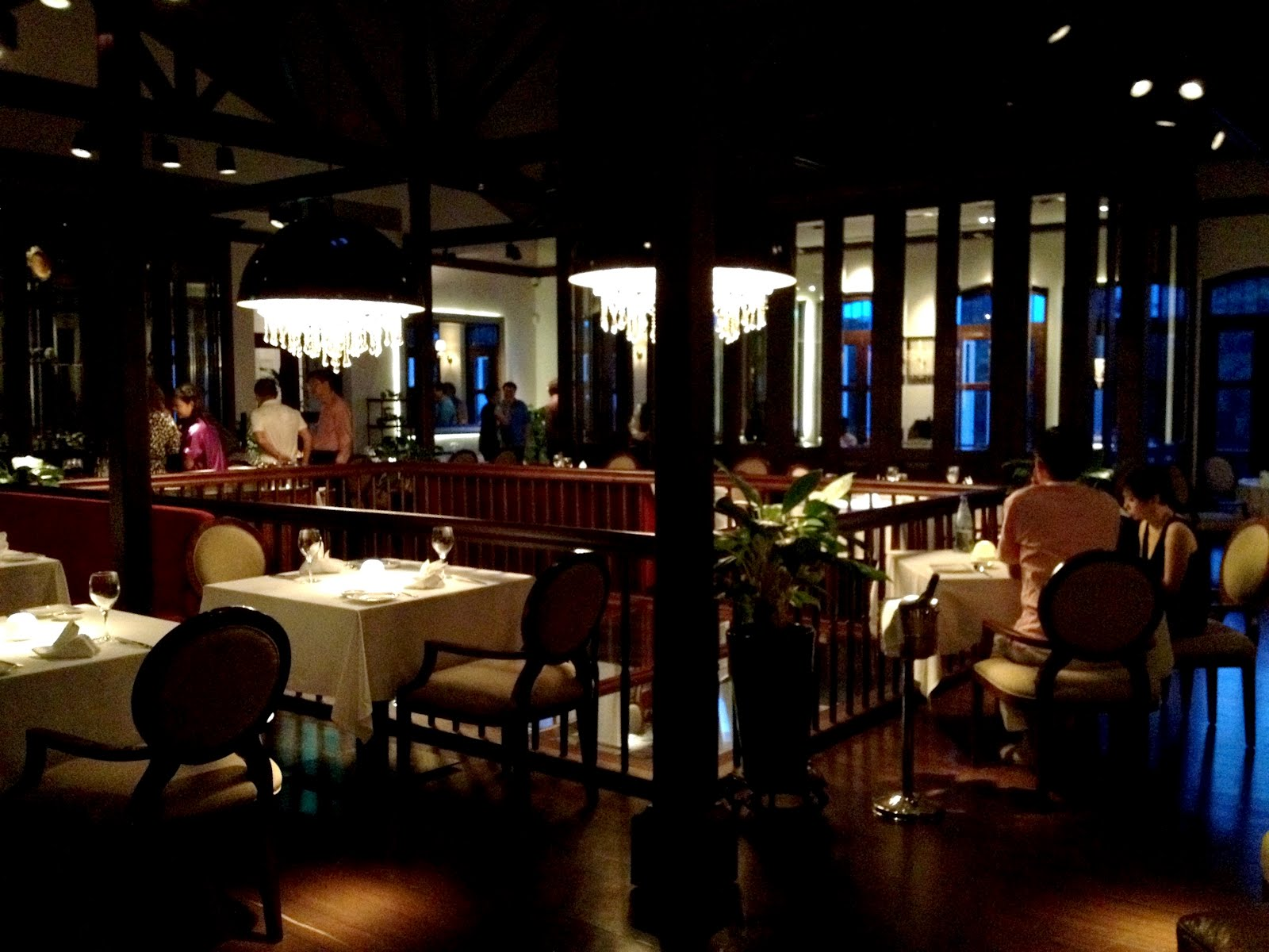 Au jardin restaurant singapore au jardin by les amis 20 for 1146 table doesn t exist